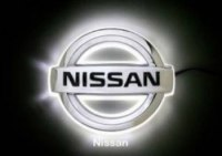 Эмблема Nissan Primera с подсветкой, белая