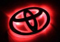 Эмблема Toyota Avensis с подсветкой, красная